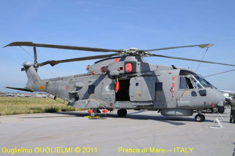 Elicottero Militare : A w eh mm